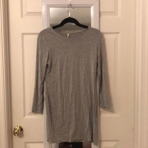 Grey fitted long sleeve dress